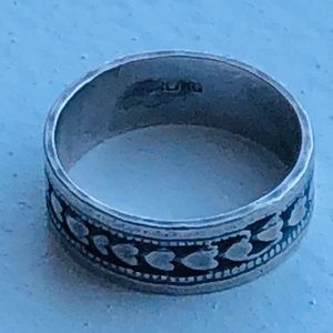 VINTAGE STERLING INFINITY HEARTS BAND RING